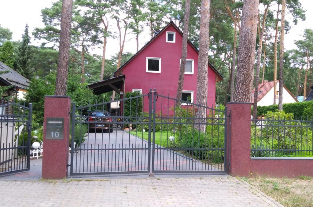 Traumhaftes Grundstück mit Einfamilienhaus+Natur Pur+Stadtnähe. Einfamilienhaus zum Kauf. Berlin BB INVEST.